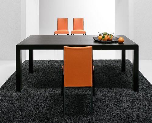 tavolo moderno / in quercia / in legno laccato / in legno tinto