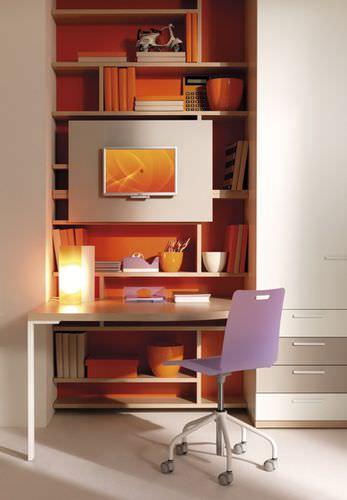 scrivania in legno / moderna / con ripiano / per bambini