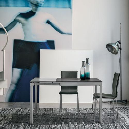 tavolo da pranzo moderno / in vetro temprato / in metallo verniciato / in laminato
