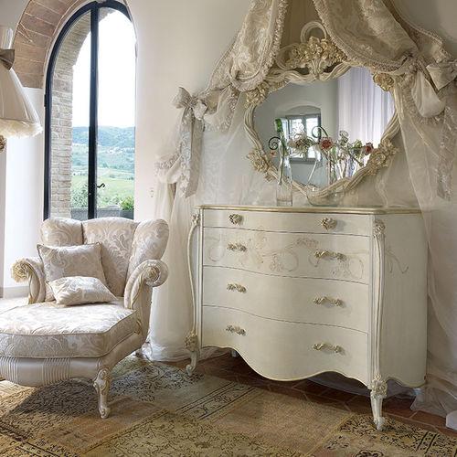 cassettone in stile / in legno laccato / bianco