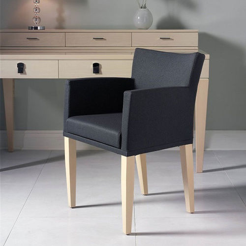 poltrona classica / in tessuto / in legno