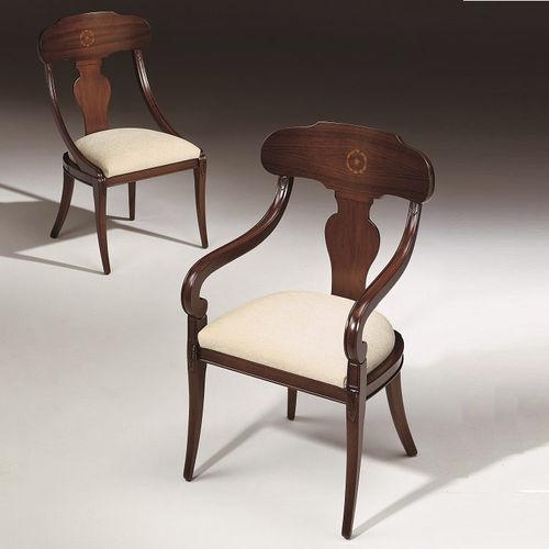 sedia in stile / imbottita / con braccioli / in tessuto