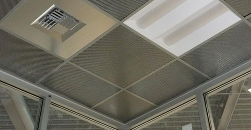 controsoffitto in metallo / in pannelli / con griglia