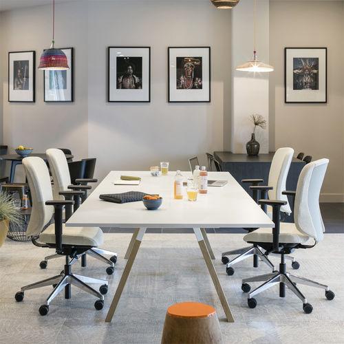 tavolo da riunione moderno / in legno / rettangolare