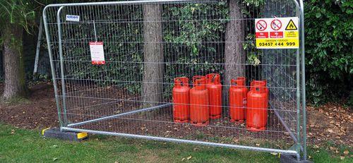 recinzione per spazio pubblico / per campo sportivo / industriale / a maglia saldata