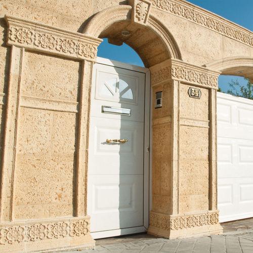 rivestimento murale in calcestruzzo / per uso residenziale / per il settore terziario / testurizzato