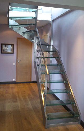 scala a U / con struttura in acciaio inossidabile / con gradini in vetro / senza alzata