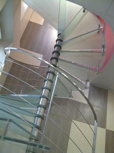 scala a chiocciola / elicoidale / circolare / con struttura in acciaio inossidabile