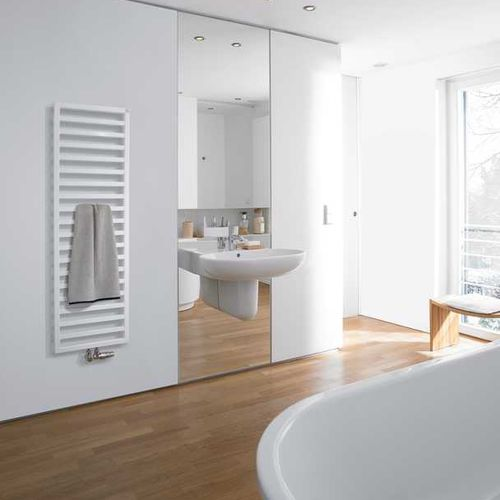 radiatore scaldasalviette ad acqua calda / elettrico / in acciaio inox / moderno