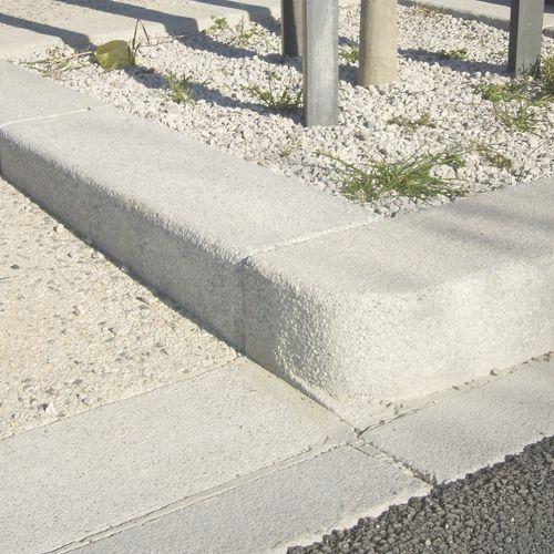 bordura per marciapiede / in pietra ricostituita / rettangolare