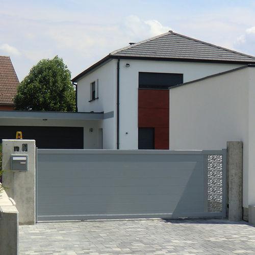 cancello battente / scorrevole / in alluminio / a lamelle