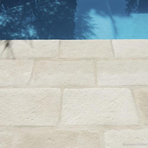 piastrella da interno / per bagnasciuga di piscina / da pavimento / in calcestruzzo