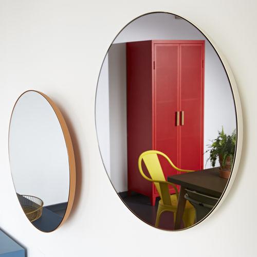 specchio a muro / moderno / tondo / in acciaio