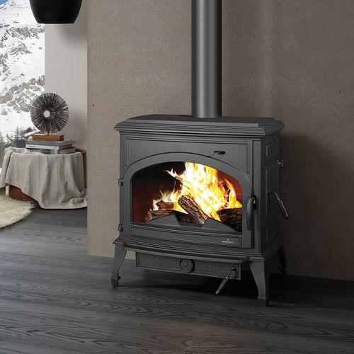 stufa a legna / multicombustibile / a carbonella / tradizionale
