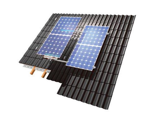 sistema di montaggio per tetto inclinato / per coperture / per tetto di tegole / per applicazioni fotovoltaiche
