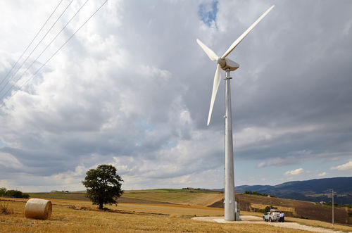 piccolo generatore eolico ad asse orizzontale / tripala / onshore