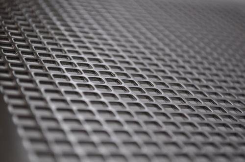 lamiera perforata / in acciaio / per facciata / perforazione quadrata
