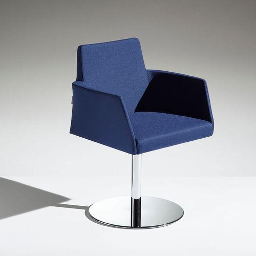 sedia moderna / imbottita / con base centrale / in pelle