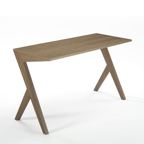 Scrivania in noce / in legno massiccio / moderna / per uso contract BECO by Luis Arrivillaga KENDO MOBILIARIO