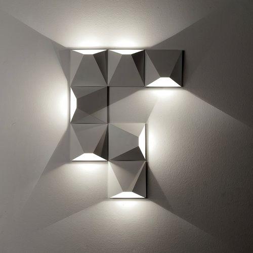 applique moderna / in metallo / LED / quadrata