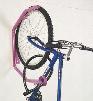 rastrelliera per biciclette a muro / in acciaio galvanizzato / per spazi pubblici / con sistema di sicurezza