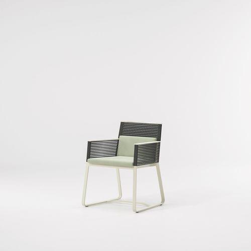 sedia moderna / con braccioli / a slitta / in tessuto