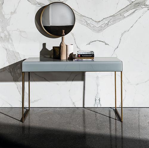consolle moderna / in vetro curvato / in vetro laccato / in metallo