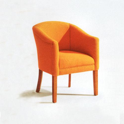 sedia visitatore moderna / con braccioli / imbottita / in pelle