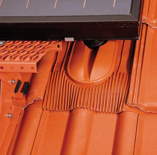 sistema di montaggio per tetto di tegole / per collettore solare