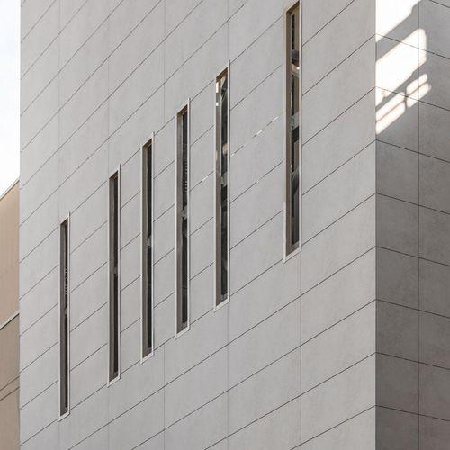 Rivestimento di facciata per facciata ventilata / in ceramica / lucidato / in pannelli BLEND LAMINAM