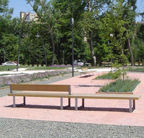 panca pubblica / moderna / in pino / in acciaio