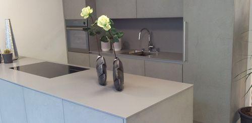 Piano di lavoro in pietra naturale / per uso residenziale / da cucina SATIN : GRIGIO CEMENTO lapitec