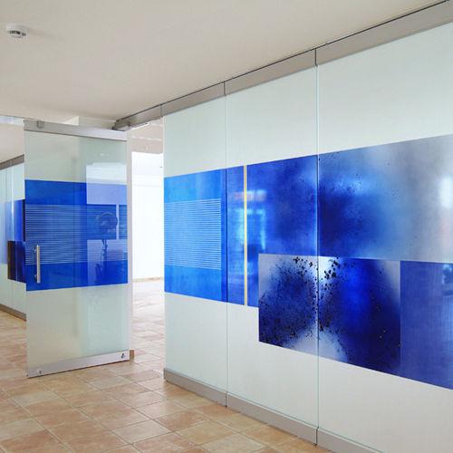 parete scorrevole impilabile / in vetro / ad uso professionale / senza montante verticale