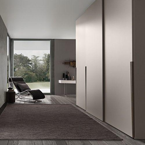 armadio da parete / moderno / in legno laccato brillante / in legno laccato opaco