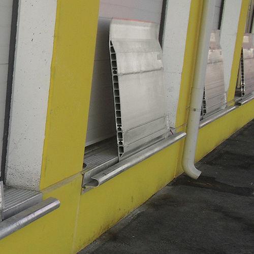 rampa in alluminio / per superamento soglia / per pavimento sopraelevato