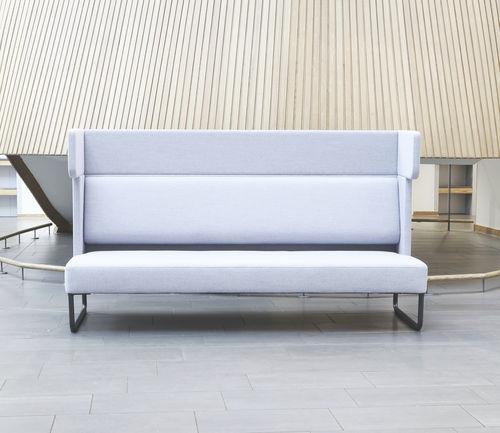 divano moderno / in tessuto / per uso contract / 3 posti