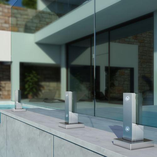 ringhiera in alluminio / pannelli in vetro / da esterno / per esterno