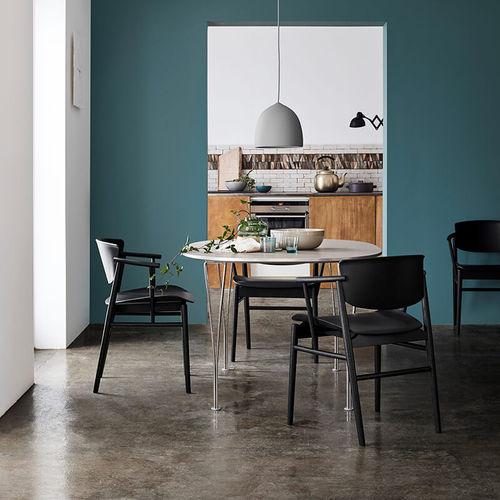 sedia design scandinavo / con braccioli / in quercia / da pranzo