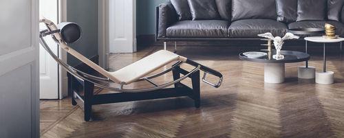 Chaise longue moderna / in pelle / in acciaio / da interno LC4 CP Cassina