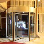 porta d'ingresso / girevole / in vetro / automatica