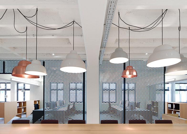 Ufficio In Tedesco : Alexander fehre progetta l ufficio di industriale stile per un