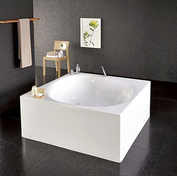 aquatica liquid space la vasca da bagno quadrata e freestanding