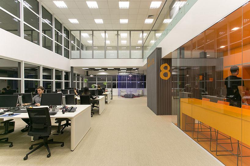 Ufficio Per Xiaomi : Il arkiz completa lo spazio di ufficio relaxed per il xiaomi nel