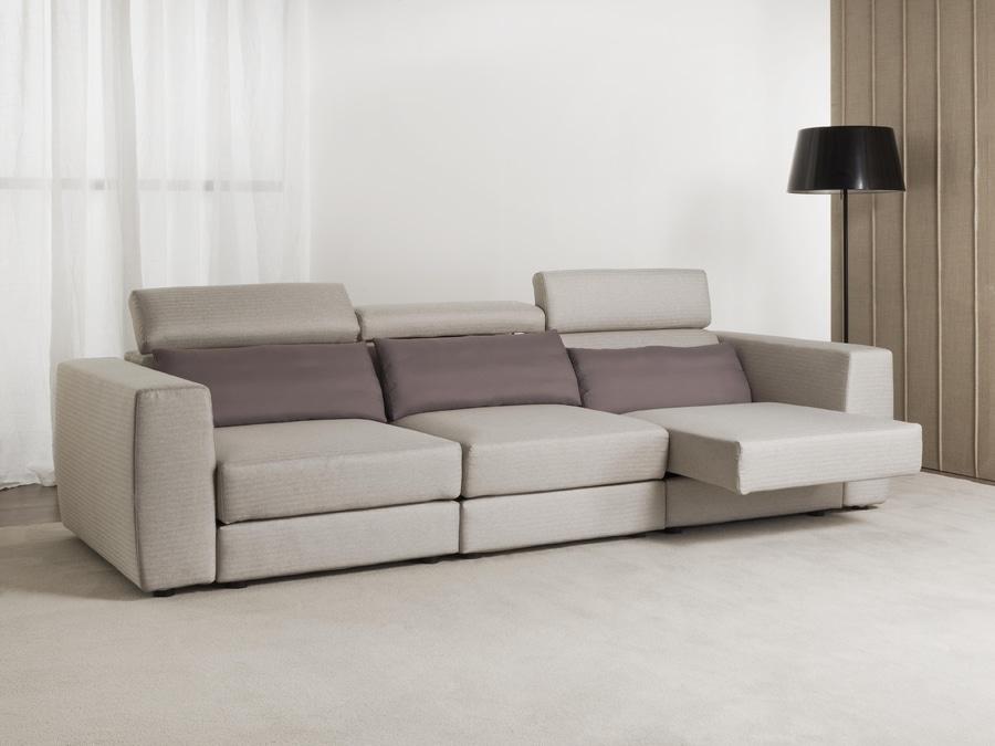 Divano relax: divano con sedute a slitta - Corso Isonzo, 125, 20822 ...