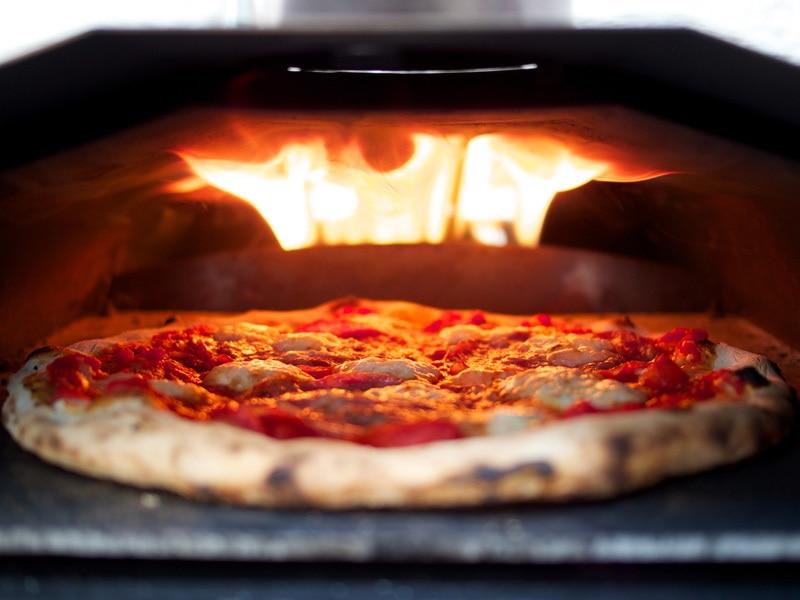 kristian tapaninaho? il forno portatile della pizza di s brucia le ... - Cucinare Pizza