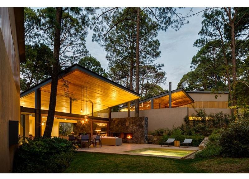 Case Di Pietra E Legno : Questa nuova casa di legno e della pietra è stata destinata per