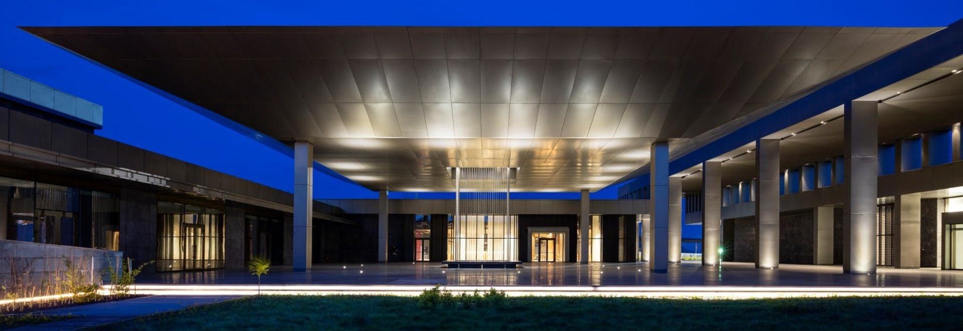 Una completa armonia con il contesto: Congo Kintele Centro Congressi e Resort Hotel Congo Kintele