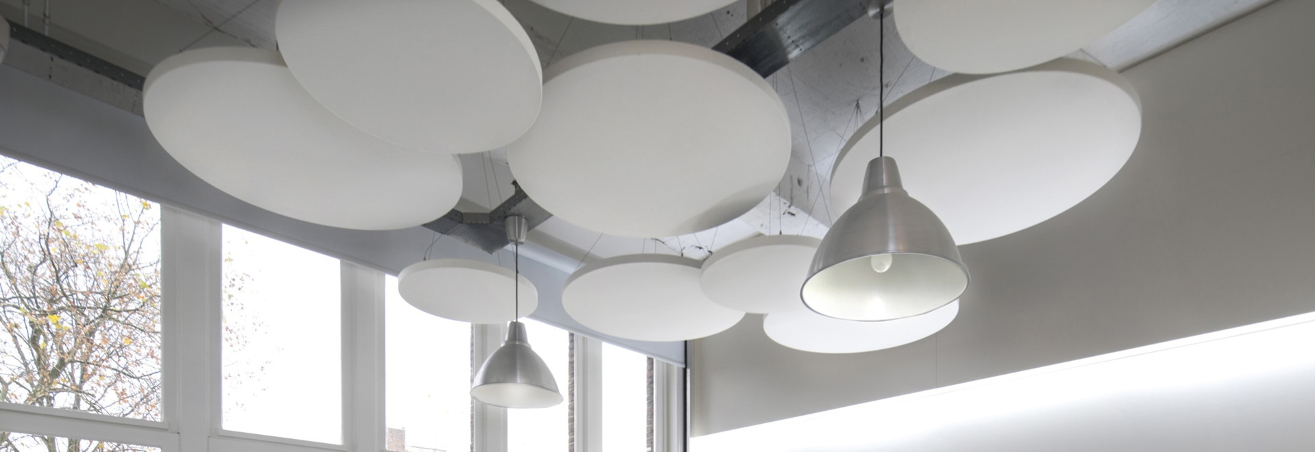 Zattere circolari acustiche del soffitto della classe