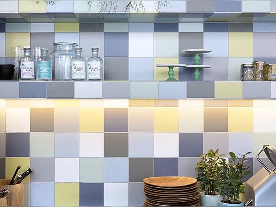 Concetto unico ed innovatore per le pareti di ceramica autentiche