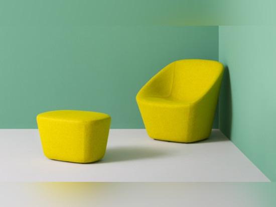 Annoti il salotto e lo sgabello da Manuela Busetti, da Andrea Garuti e da Matteo Redaelli